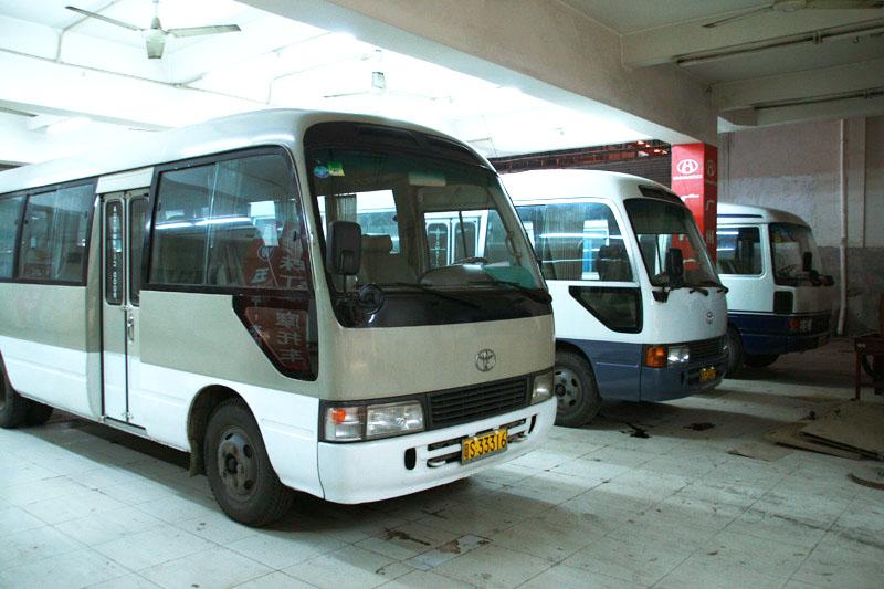 北京中巴车出租-四季鸿运租车